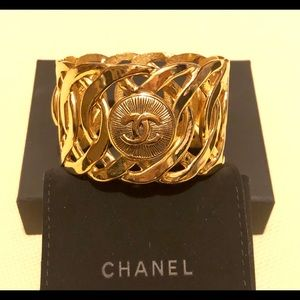 💯Authentic Chanel Cuff Bracelet